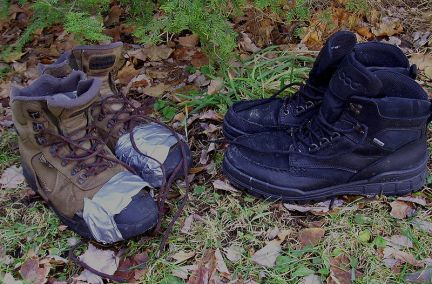 800px-Hiking_boots